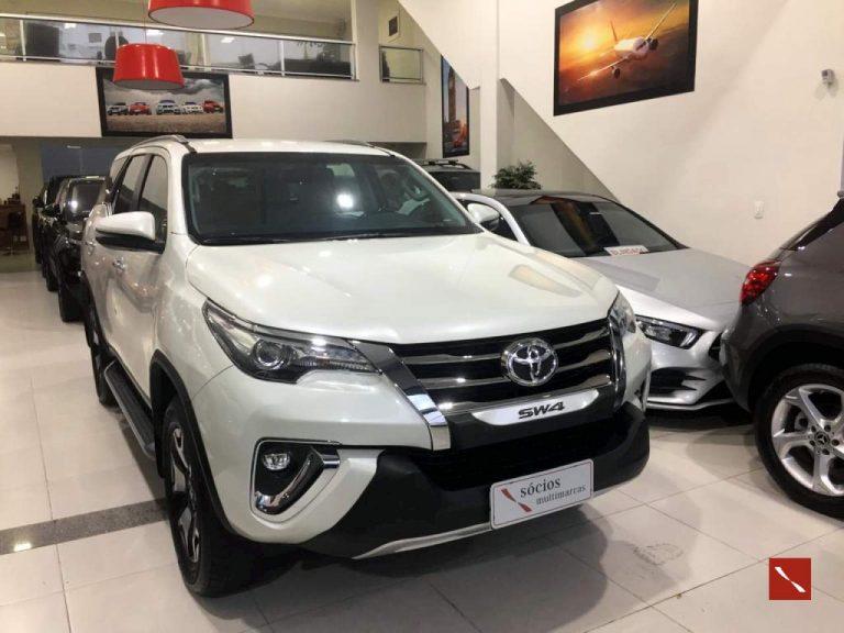 Toyota Hilux SW4 Diamond 2018/2019
